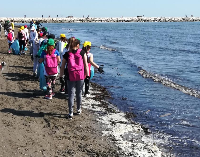 Si è conclusa a Chioggia Keep clean and ride, 1.000 km in bici contro l'abbandono dei rifiuti