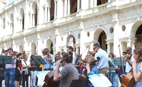 Successo web per il flash mob di Aim e del Coro e Orchestra di Vicenza