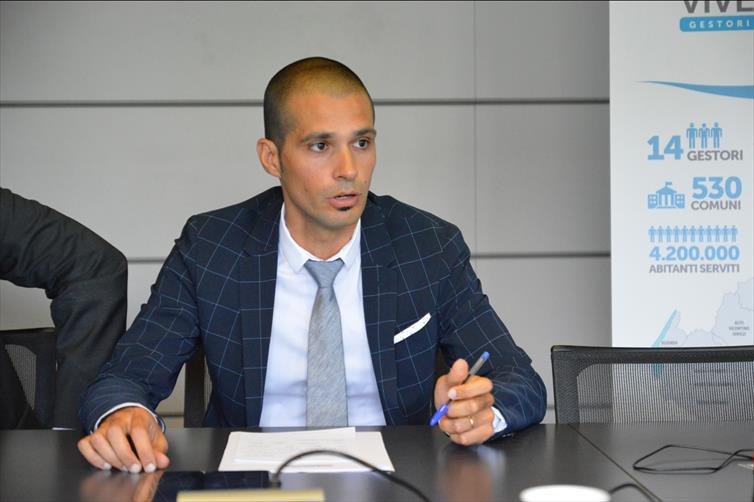 """Nuove infrastrutture a Sorgà. Terminati i lavori di collegamento acquedottistico con Erbè. Mantovanelli: """"Risolte criticità di natura ambientale. Benefici per 1700 abitanti""""."""