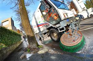AIM Ambiente riprende il lavaggio straordinario delle strade