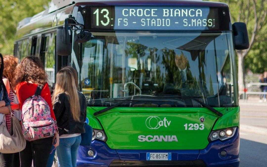 Abbonamenti ai bus urbani agevolati per gli studenti di Verona