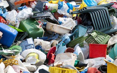 I nuovi orizzonti dell'economia circolare: nel padovano abiti ecologici realizzati con tessuti di fibra di plastica riciclata