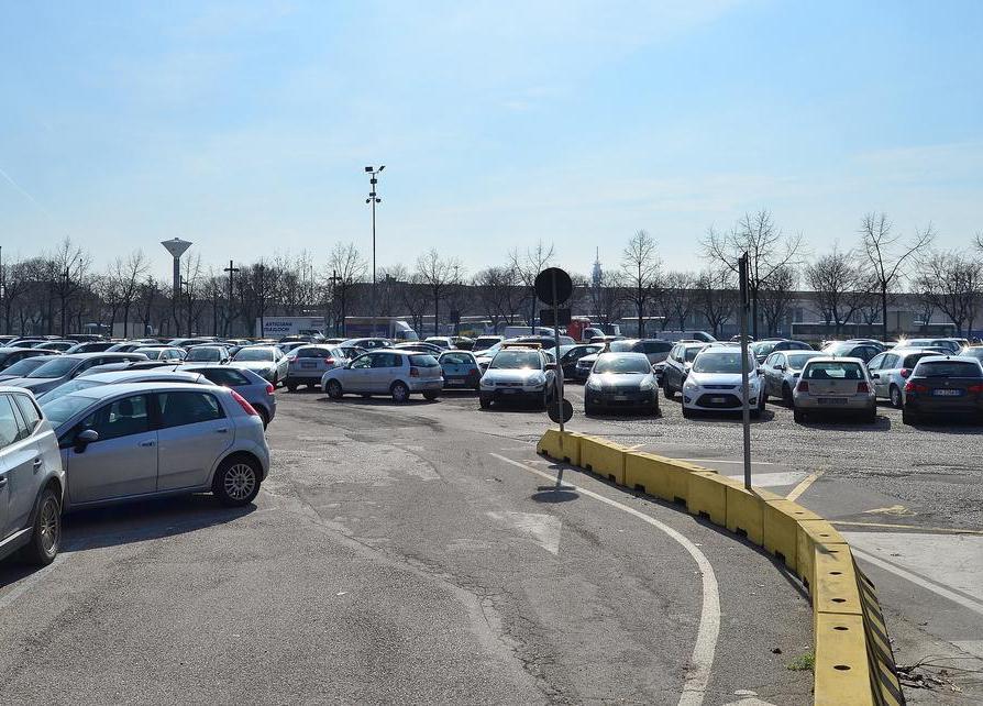 Dal 26 novembre causa lavori meno stalli nei parcheggi della stazione di Verona