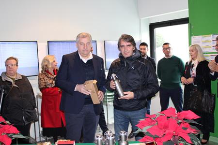 """Amia Verona regala ai dipendenti borracce in acciaio nel segno del """"plastic free"""""""