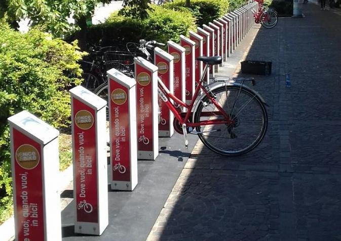 AVM Holding: installa nuove rastrelliere per 1.083 posti bici e rifà alcuni approdi