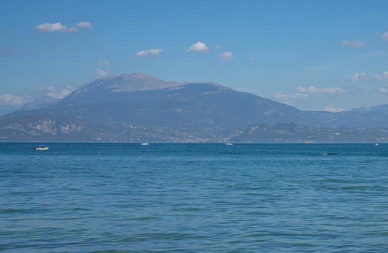 Per la tutela del Lago di Garda incontro istituzionale sul collettamento fognario  dei reflui fognari urbani nel bresciano