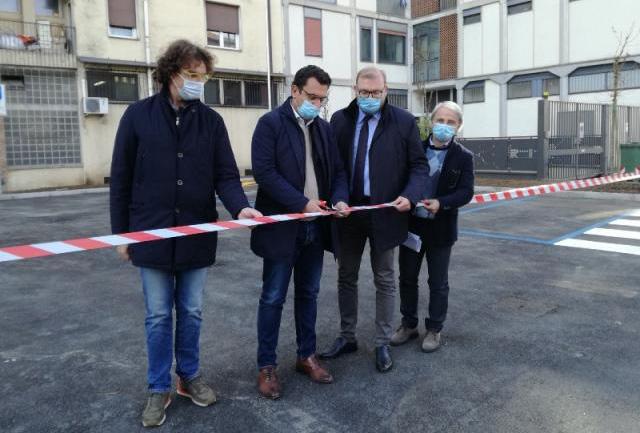 Inaugurato in via Napoli a Vicenza un nuovo parcheggio di AIM Mobilità con undici nuovi posti auto blu