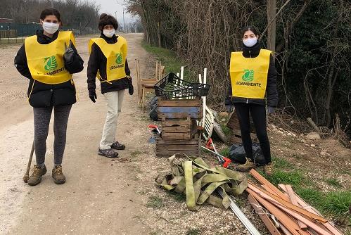 Prosegue  la  partnership  tra AMIA Verona e le associazioni ambientaliste: ripulite le rive di un tratto dell'Adige