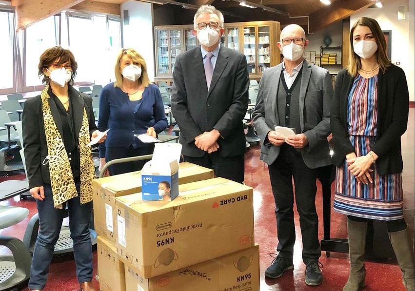 L'Azienda Trasporti Verona dona 35 mila mascherine FFP2 ad alta protezione agli istituti scolastici di Verona e provincia