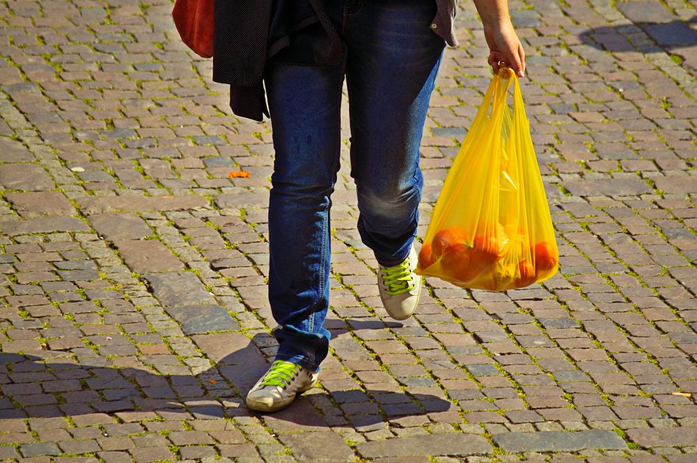"""Al via la campagna di educazione ambientale """"Salva un sacchetto. Salva l'ambiente"""" del Consorzio Nazionale Imballaggi"""