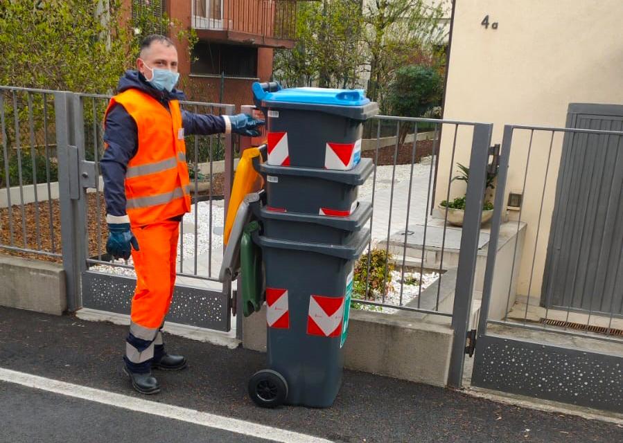 Per la raccolta porta a porta all'Arcella Est a Padova già consegnati i primi 400 contenitori alle famiglie