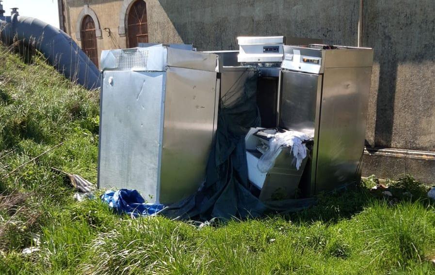 Rifiuti pericolosi abbandonati a Sindacale: gli ispettori ambientali di ASVO identificano il responsabile