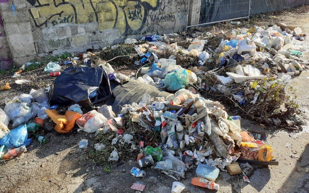 Abbandono rifiuti: da inizio anno 892 multe degli ispettori ambientali di Veritas nel territorio comunale di Venezia