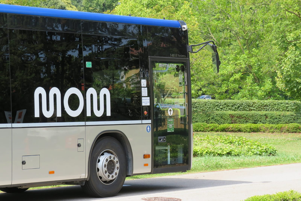 MOM ha presentato il sistema di acquisto digitale con sconti per gli abbonati che viaggiano con lo smartphone