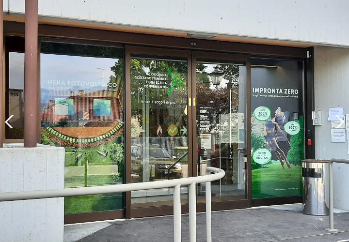 Rinnovato l'ufficio clienti Ascotrade a Pieve di Soligo. Disponibili pure gli sportelli idrico di ATS e rifiuti di SAVNO